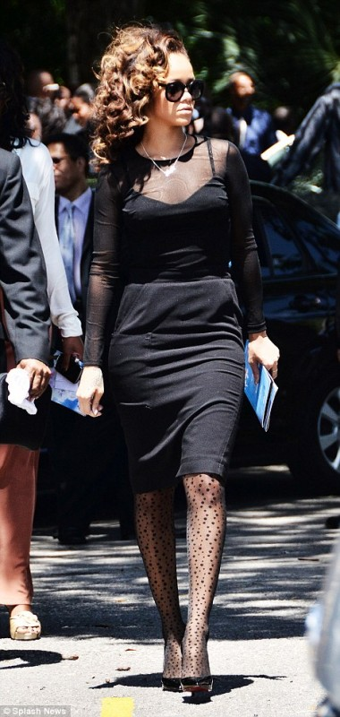Toned down and covered up Rihanna sports an all-black outfit at Barbados funeral - Shy Magazine ...