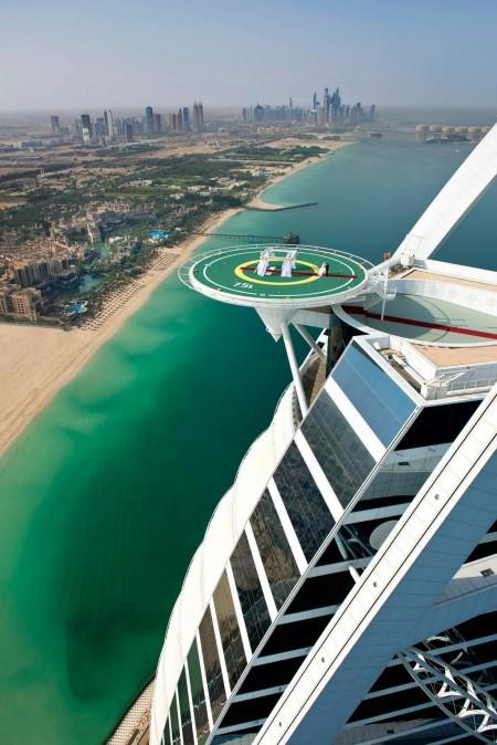 Wedding-in-the-Sky-At-Burj-Al-Arab-Jumeirah's-Helipad