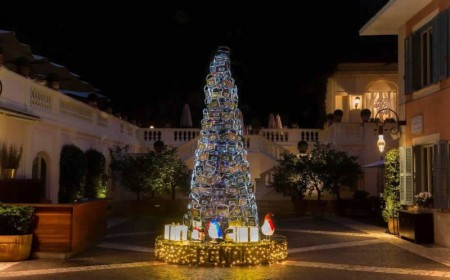 Christmas_tree_Fendi_Hotel_de_Russie-800x497