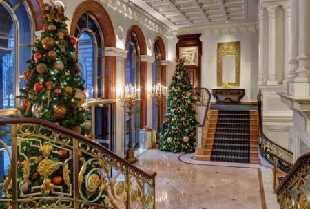 christmas_trees_new_york_palace_2-800x540