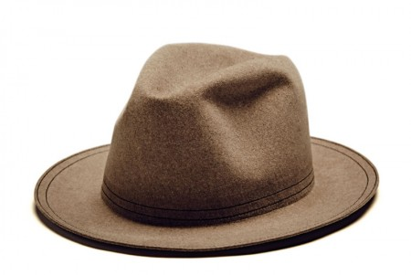 mini_gentleman_collecgtion_hat_1-800x535